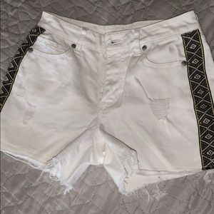 Adorably shorts!I! Used only a few times!!